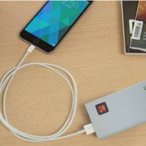 Batterie externe belkin Power Bank + Lampe de poche 5000mAh