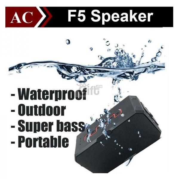 Enceinte Bluetooth Portable haut-parleur Extérieur - Sardine F5, Pour écouter les musiques jouer depuis votre SmartPhone, iPhone, iPad, iPod, Tablette ou ordinateur Bluetooth et emporter votre Musique avec vous. Résiste à l'eau, au sable et à la poussière.