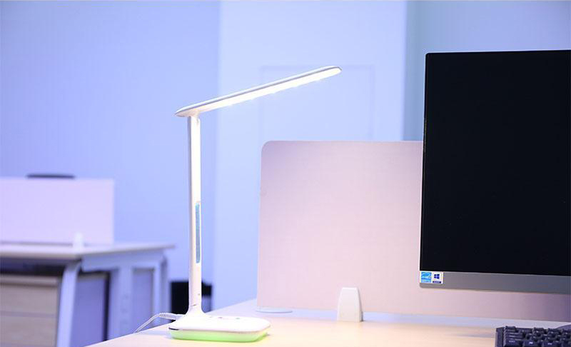 lampe led remax avec couleurs