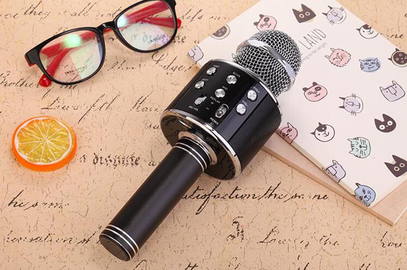 WS-858 Microphone Bluetooth Sans Fil Haut Parleur Pour KARAOKÉ Chez Gift.Ma Boutique des cadeaux aux meilleurs prix en ligne au Maroc